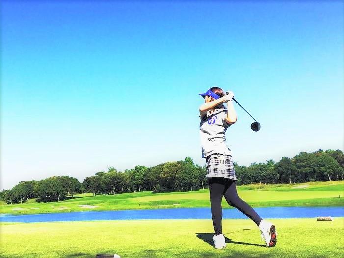 関口亜耶ゴルフ女子