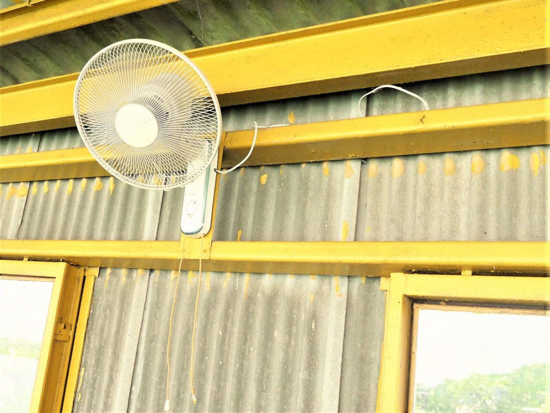 練習場の扇風機